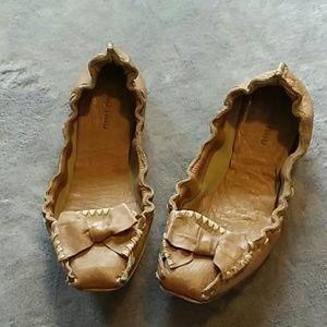 Miu Miu women's size 37 tan mocassion flats